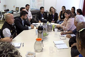 Diretoria do Coren-DF e representantes de sindicatos se reúnem com direção do HRT e superintendente da região Sudoeste